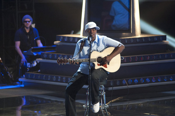 javier-colon-voice