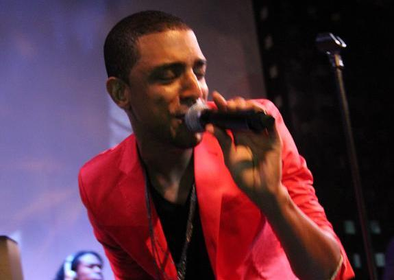 "Event Recap & Photos: Mateo Performs at SOB's in NYC for Music Choice ""Live Undefined"" Hosted by Eric Roberson 12/7/11"