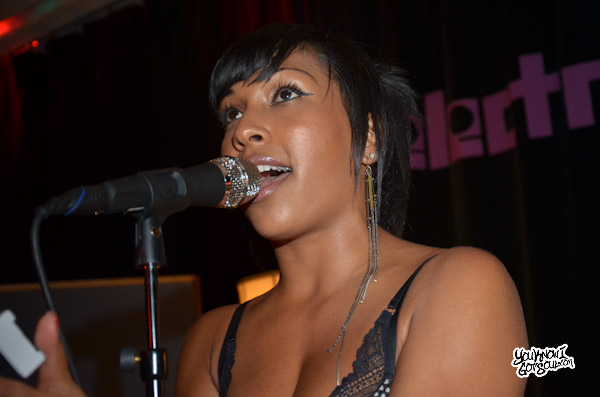 Melanie Fiona Live The MF LIfe Album Listening Mar 2012