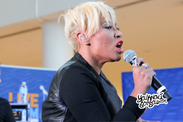 Emeli Sande JFK Jet Blue Live from T5 2013-4