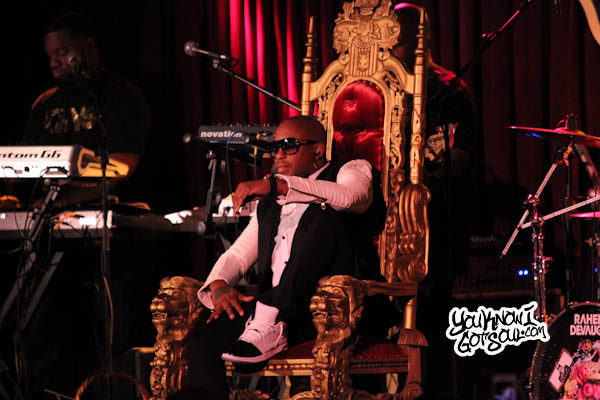 Raheem DeVaughn BB Kings 2013 2 Event Recap & Photos: Mali Music & Raheem DeVaughn Perform at B.B. Kings in NYC 10/8/13