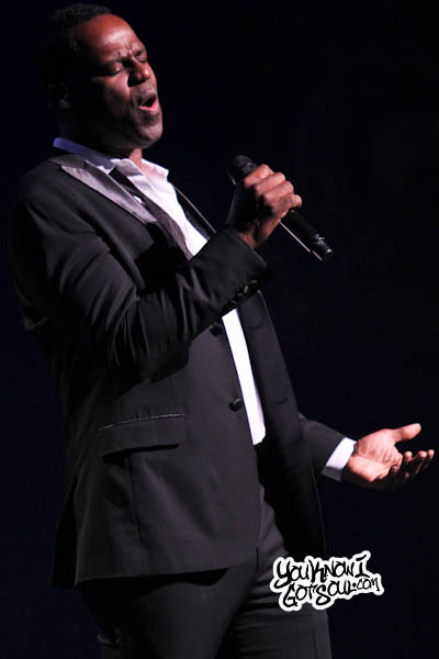 Brian McKnight Beacon Theatre 2013-5