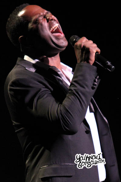 Brian McKnight Beacon Theatre 2013-6