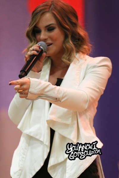 JoJo VH1 Save the Music 2014-6