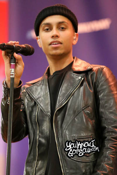 Sebastian Mikael VH1 Save the Music 2014-3