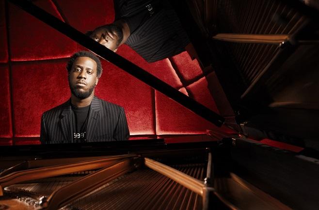 Interview: Robert Glasper Talks Black Radio 2 Album, Getting Best Out of Artists, Grammy Award