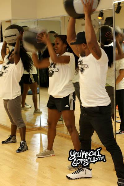 Tank Stronger U Press Fitness Workout 2014-10