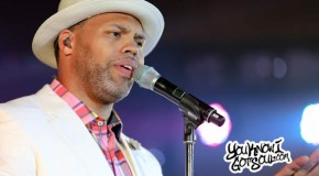 Photos: Eric Roberson Performs at the 2015 Essence Festival