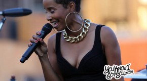 "Vivian Green Performing ""Get Right Back to My Baby"" & More Live on the Capitol Records Rooftop"
