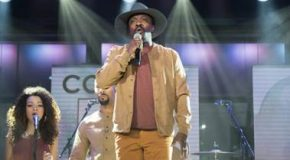 "Anthony Hamilton Performs ""Letter to the Free"" with Common Live on Today"