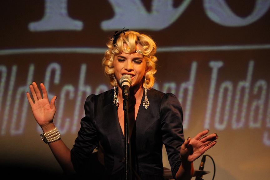 Lauriana Mae Live SOBs Dec 2011