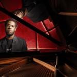 "Robert Glasper Talks ""Black Radio 2"" Album, Getting Best Out of Artists, Grammy Award (Exclusive Interview)"