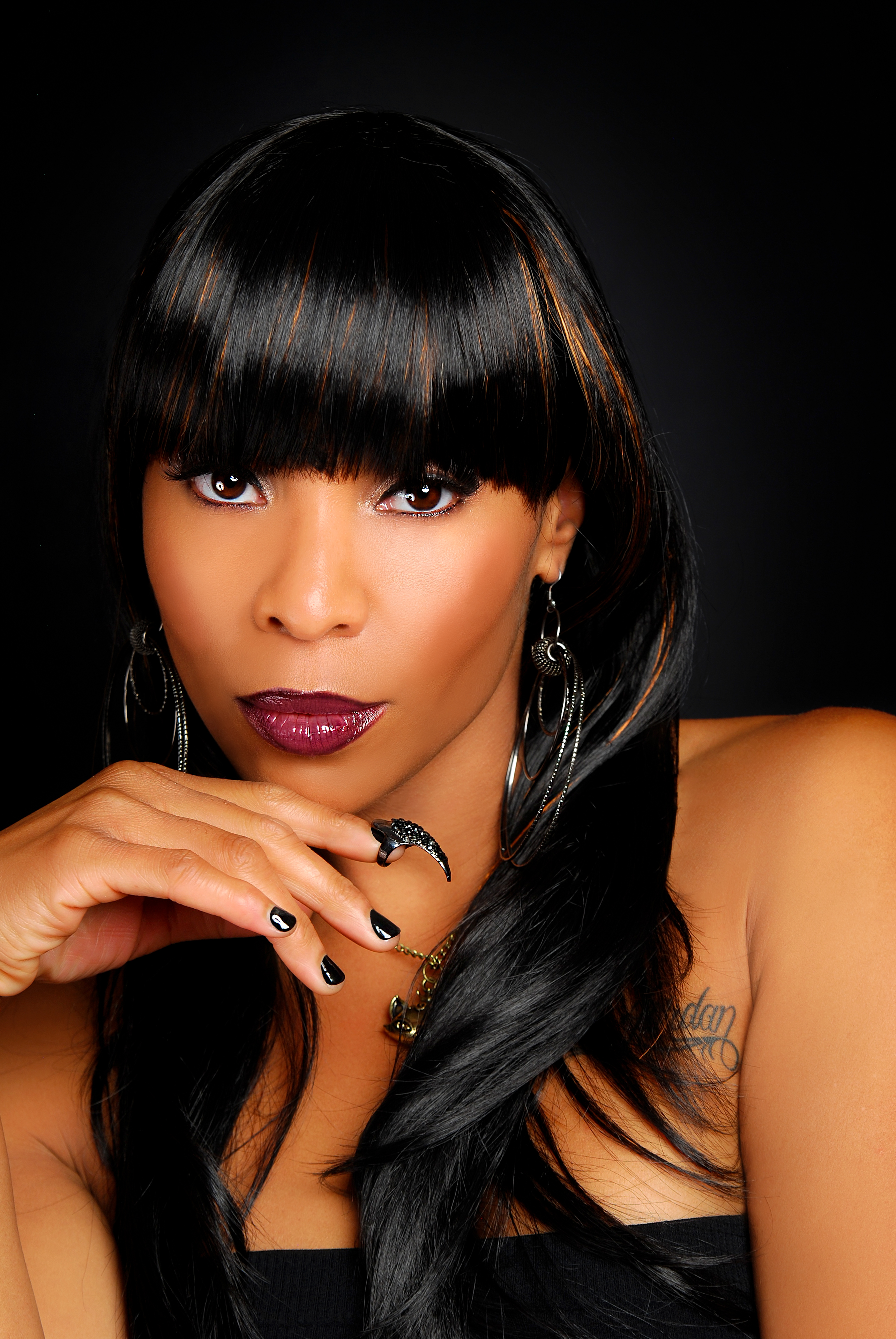 """New Video: Adina Howard """"Love Is A Losing Game"""" (Amy Winehouse Acoustic Cover)"""