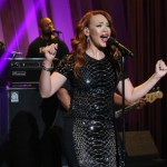 """Watch: Faith Evans Performs """"Fragile"""" on the Queen Latifah Show"""