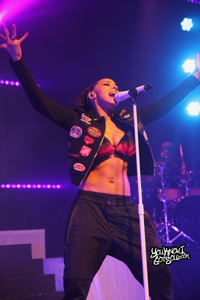 Tinashe-Joyride-World-Tour-Vancouver-April-10-2016-6
