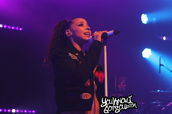Tinashe-Joyride-World-Tour-Vancouver-April-10-2016-7
