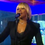 """Mary J. Blige Performs """"Thick of It"""" Live on Good Morning America"""